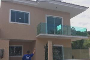 Fechamento de varanda em vidro