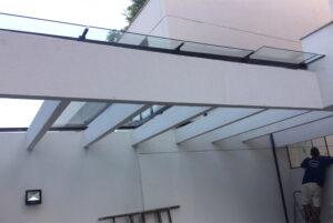 Telhado em vidro temperado